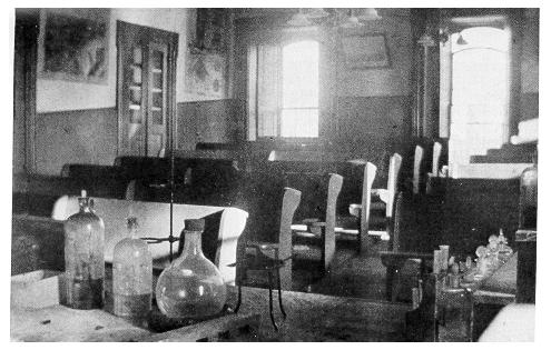 Photograph of Old Main's chemical lecture room