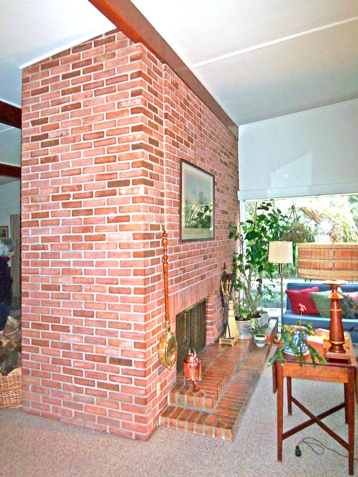 Kalin house, two-sided fireplace