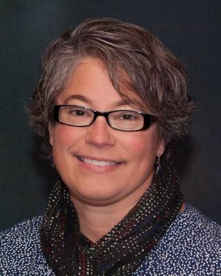 Bernadette Lear